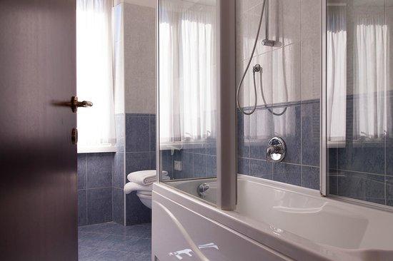 Hotel Benaco: Camera
