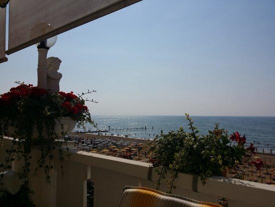 Hotel & Residence Villa Sorriso: Breakfest Terrace