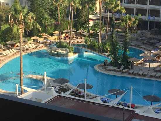 Atlantica Oasis Hotel: View from balcony
