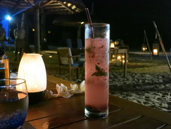 Outrigger Mauritius Beach Resort : Dinner at the beach