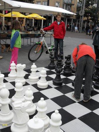 Zeewolde, Países Bajos: Een spelletje schaak .