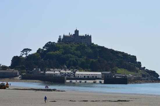 St. Michael's Mount: Tide coming in!