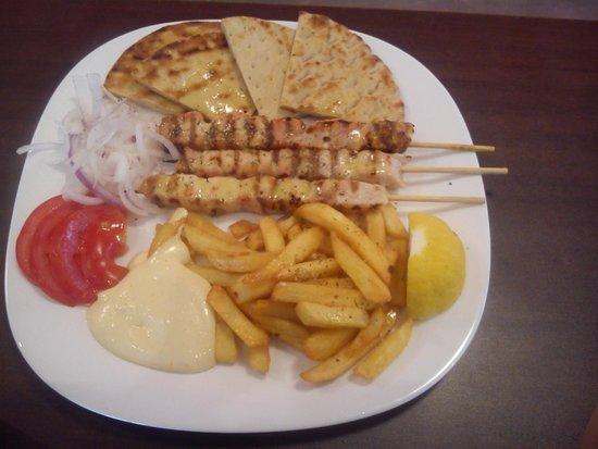 Rania's Grill House: Portion chicken souvlaki