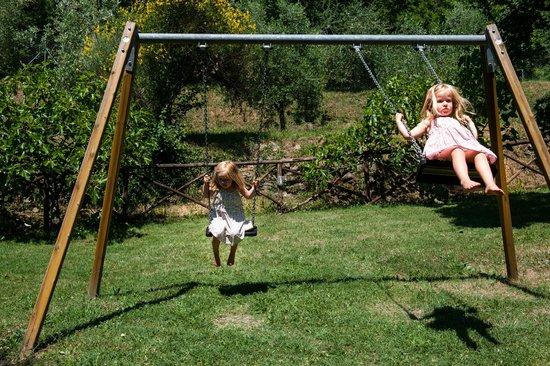 Agriturismo Azienda Agricola il Pozzo: playground parco giochi