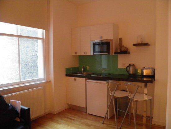 Hyde Park Executive Apartments: Cocina