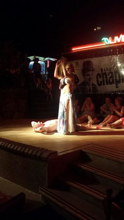 Cettia Apart Hotel: Belly dance show