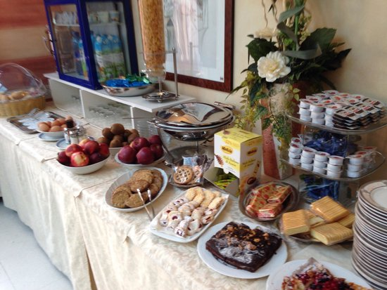 Enrichetta Hotel: Breakfast buffet