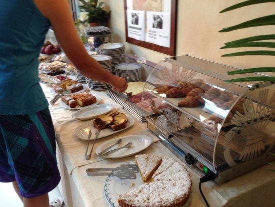 Enrichetta Hotel : Breakfast Buffett