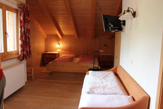 Garni Ciasa Urban: Zimmer für 3 Personen