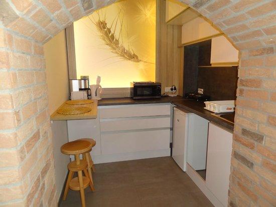 Gozsdu Court Aparthotel : Kitchen