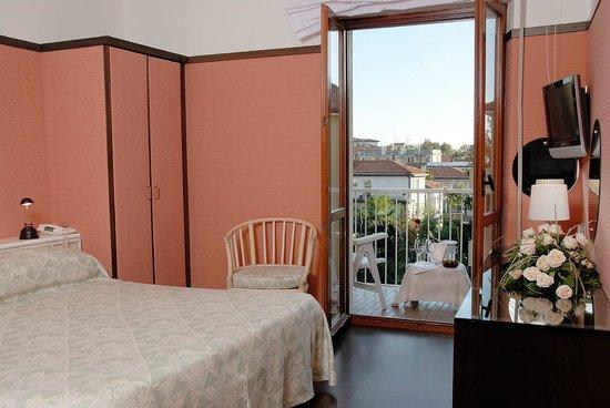 Hotel Villa Mabapa: Balcony double room sample