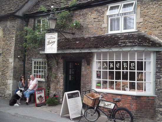 Lacock Abbey: Fresh bread and ice cream