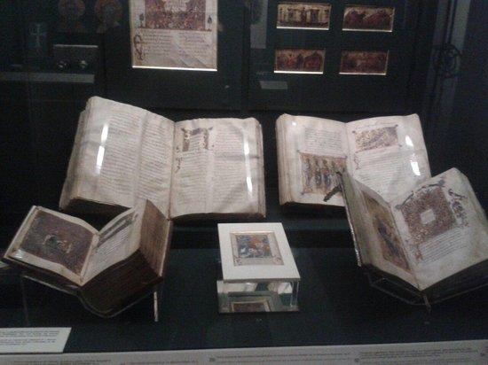 Benaki Museum: Book from the Byzantine era