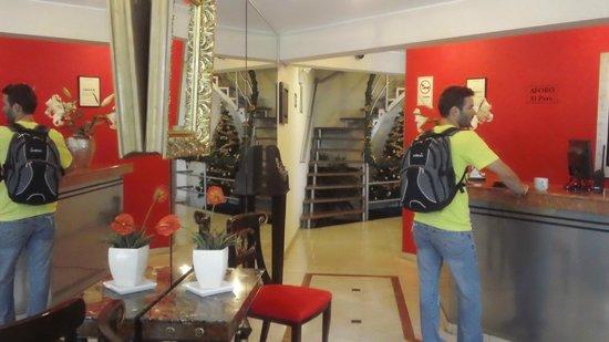 Hotel Runcu Miraflores: Recepcion