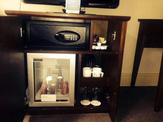 Mercure Winchester Wessex Hotel : our mini bar