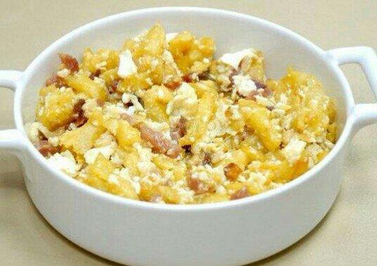 Oleum : Huevos revueltos con papas,jamon y piñones