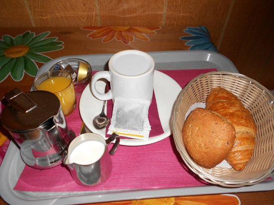 Hotel Central: Continental breakfast