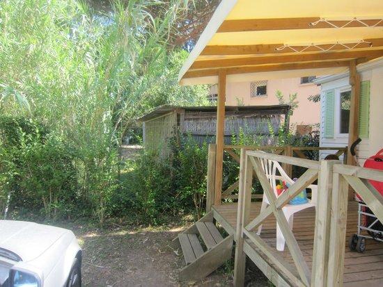 Camping Les Palmiers : bungalow 15