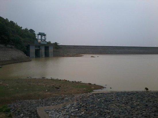 Dhanbad, India: MAITHON DAM