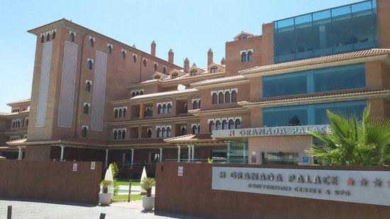 Hotel Granada Palace: Muy grande y buen trato y estancia agradable