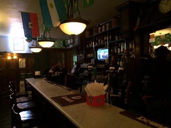 The Irish Embassy, Pub & Restaurant : authentic decor