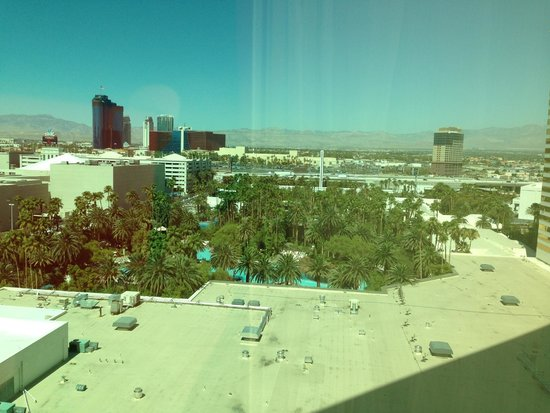 The Mirage Hotel & Casino: Overlooking the Pool
