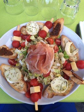 L'Aquarelle : Ma salade chèvre chaud