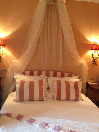 Le Mas de Pierre : Our room