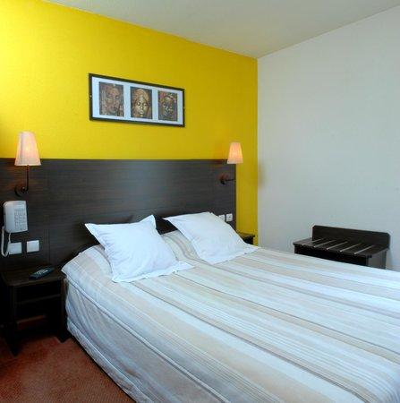 Hôtel balladins Arles : Chambre lit double