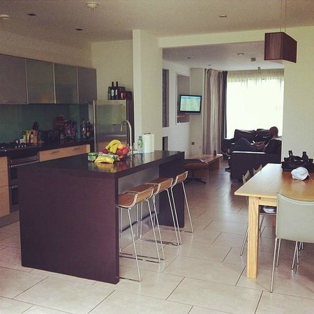 Waterford Castle Hotel & Golf Resort : Livingroom/Kitchen area in Lodge