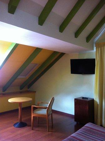 Hotel de l'Isard : Мансарда