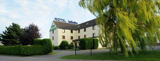 Hôtel balladins Arras : Façade