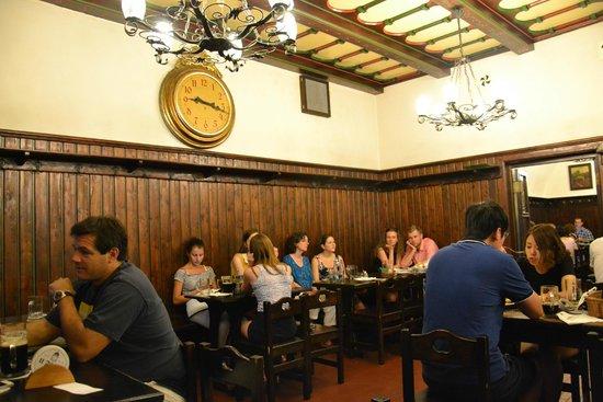 Restaurace U Fleku: Ambiente agradable