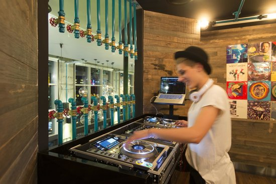Bluetrain: Music for the mind, food for the soul