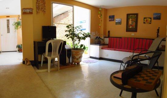 Hotel Casa D'mer Taganga : Sala de estar, PC clientes
