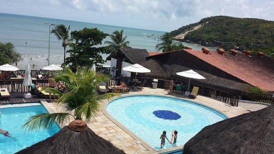 D Beach Resort: Piscinas da parte de cima. Embaixo fica piscina com o bar