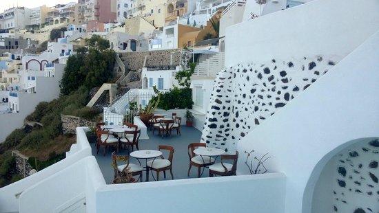 Athina Luxury Suites: vista dal terrazzino