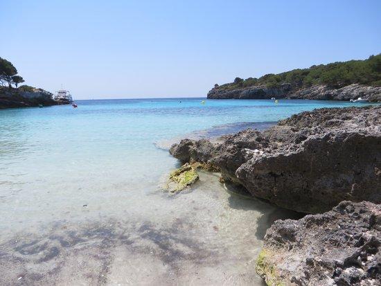 Cala Turqueta : mare e rocce