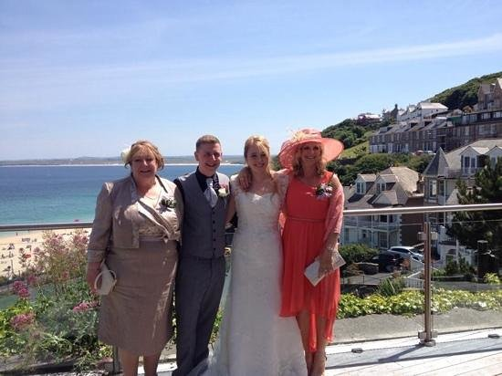 St. Ives Harbour Hotel & Spa: Stunning backdrop to our beautiful wedding