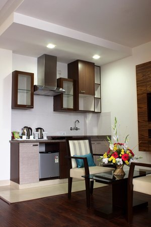 Stately Suites MG Road: Compact Kitchenette