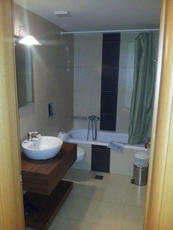 Plakias Resort: bathroom