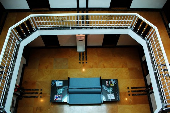 Stately Suites MG Road: Lobby Area