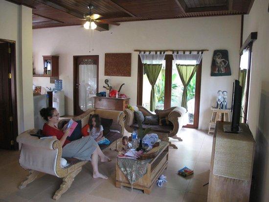 Tirtarum Villas, Canggu Bali: Inside quite spacious