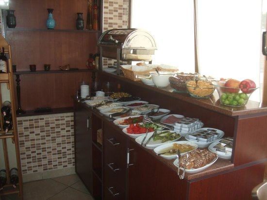 Berce Hotel: Delicious breakfast