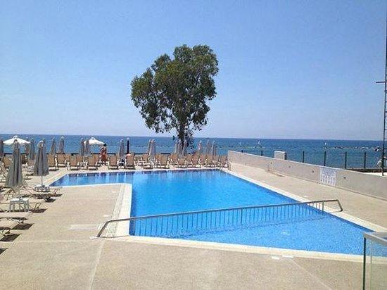Harmony Bay Hotel: Hotel Pool