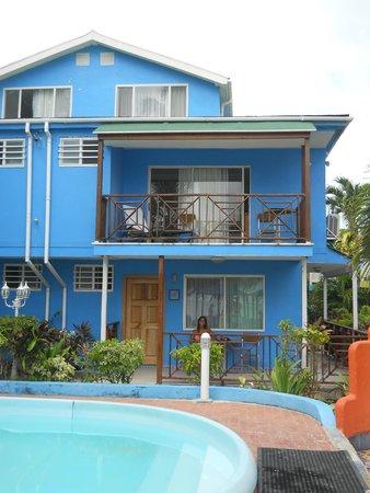 Cocoplum Beach Hotel : El lado que se ve del mar