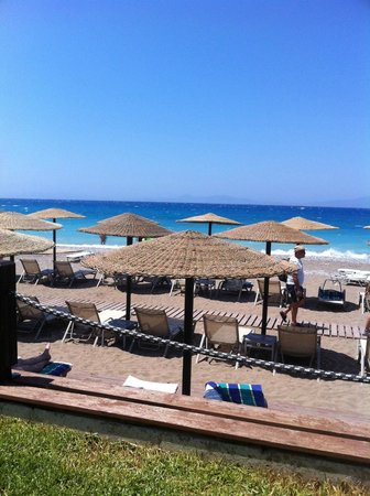 Amathus Elite Suites : Beach