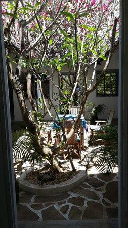 La Papaye Verte: Main house atrium