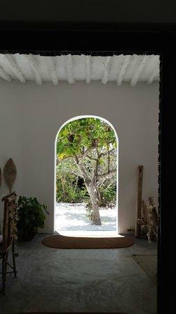 La Papaye Verte: The Main House Entrance