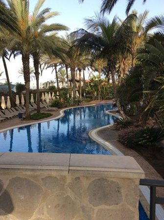 Lopesan Costa Meloneras Resort, Spa & Casino: by the river pool